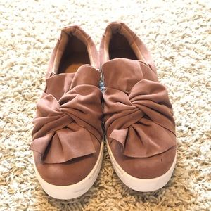 Size 8.5, brand:bamboo, copper/taupe/rust color.